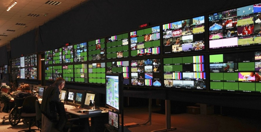 олимпиада, трансляция, экраны компьютеры