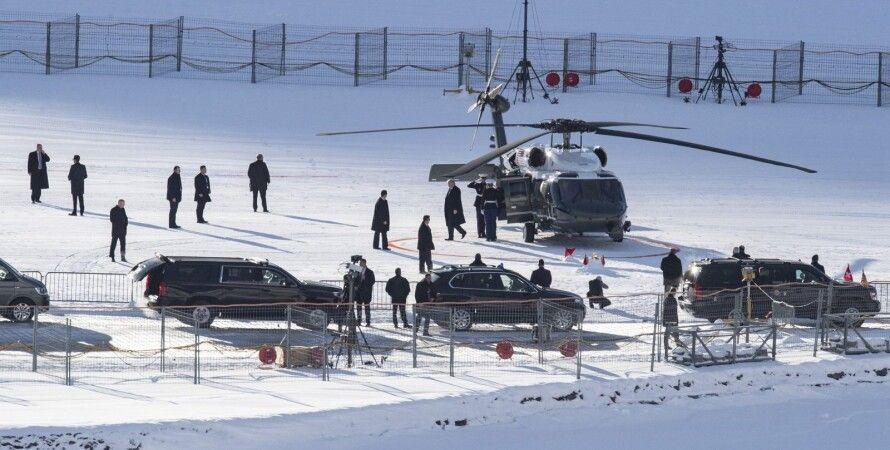 Дональд Трамп прилетел в Давос в сопровождении семи вертолетов. Фото: uk news