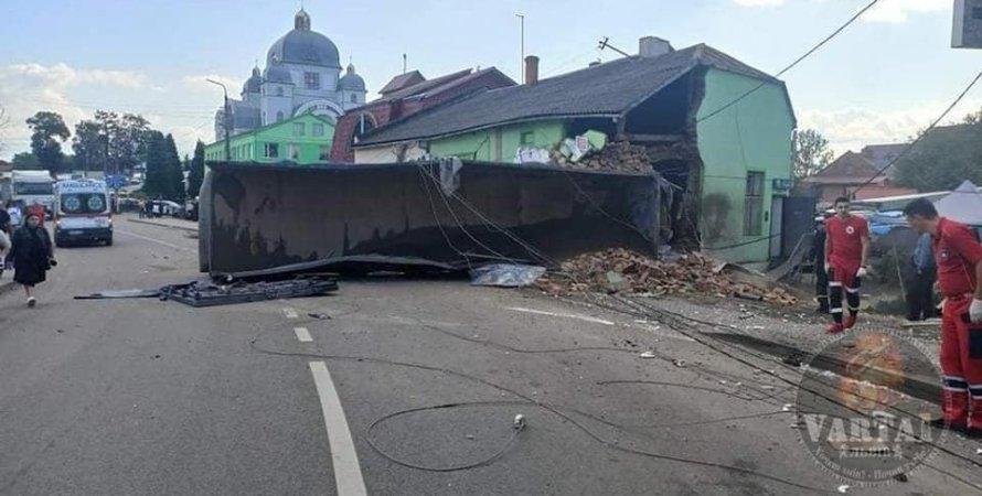 Вантажівка влаштував смертельне ДТП в Рудках