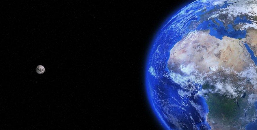 Земля, Місяць, космос, фото