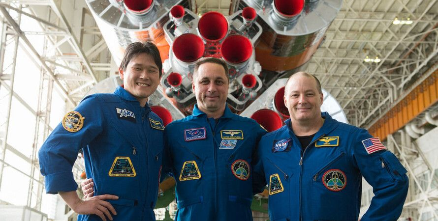Норишиге Канаи, Антон Шкаплеров и Скотт Тингл / Фото: NASA