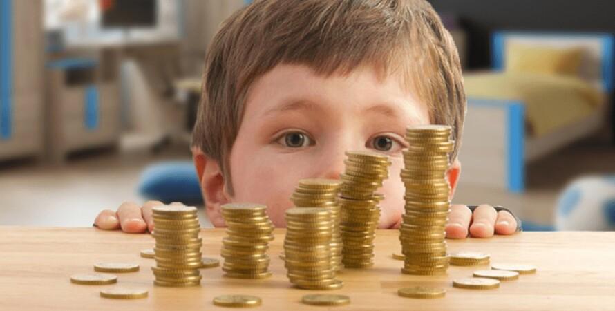 ребенок монеты