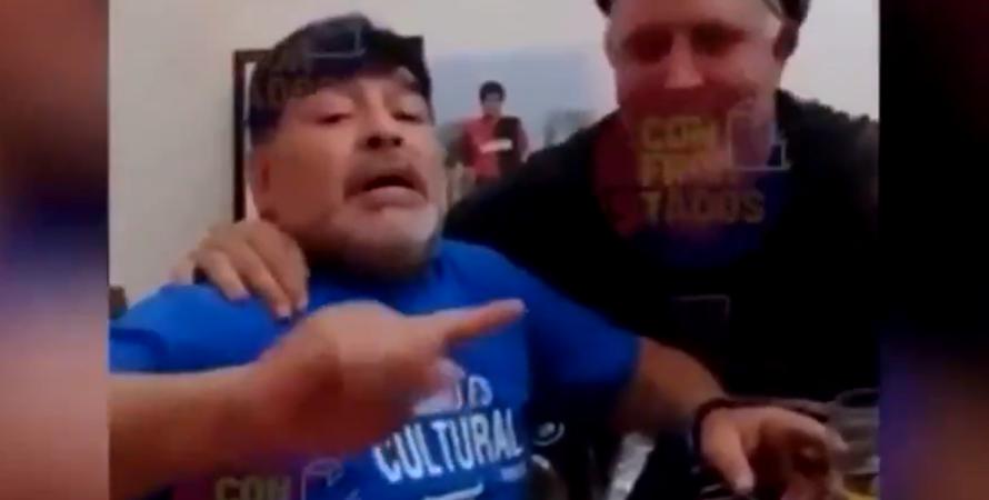 Марадона с сигарой и алкоголем перед операцией на мозгу, Марадона тусовка, Марадона празднует, Марадона Умер