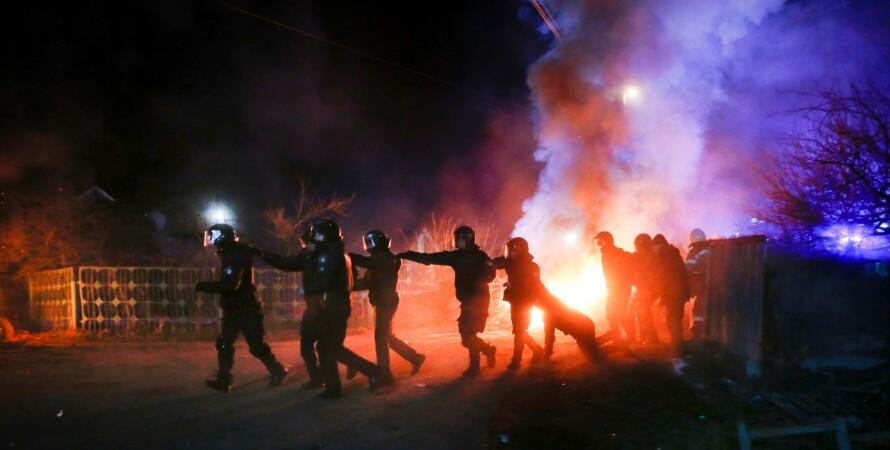 протесты, полиция, ночь, огонь