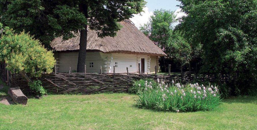 Восстановленная хата, где в 1814 году родился Тарас Шевченко
