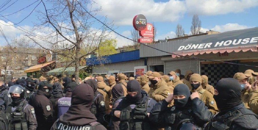 Знесення МАФів, Київ