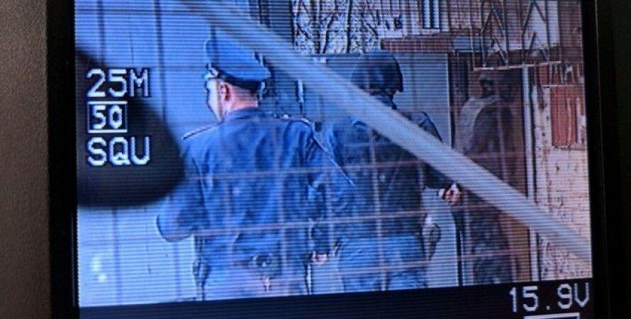 ГРУшников привезли на суд в касках и бронежилетах / Фото: facebook.com/alyona.shevchuk