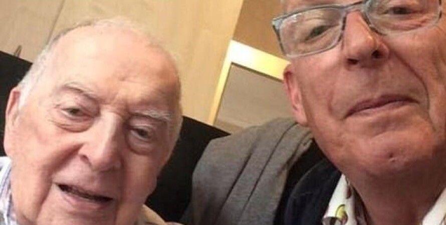 98-летний ветеран Джек Боуден с сыном/Фото: SWNS