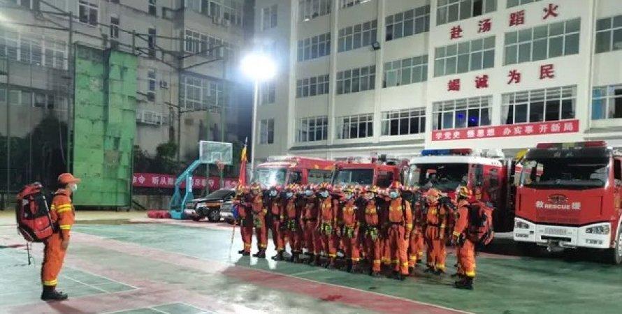 спасатели, Китай, землетрясение