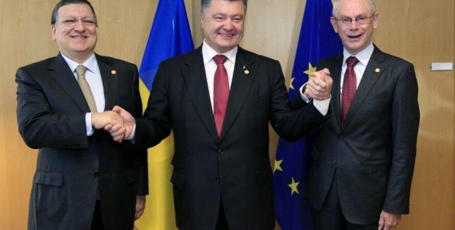 Жозе Мануэль Баррозу, Петр Порошенко и Херман Ван Ромпей / Фото: Reuters