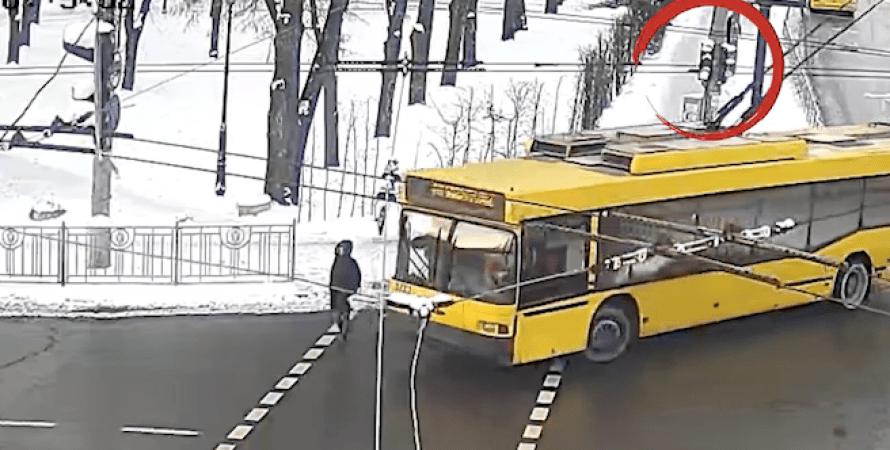 тролейбус, жінка, ДТП