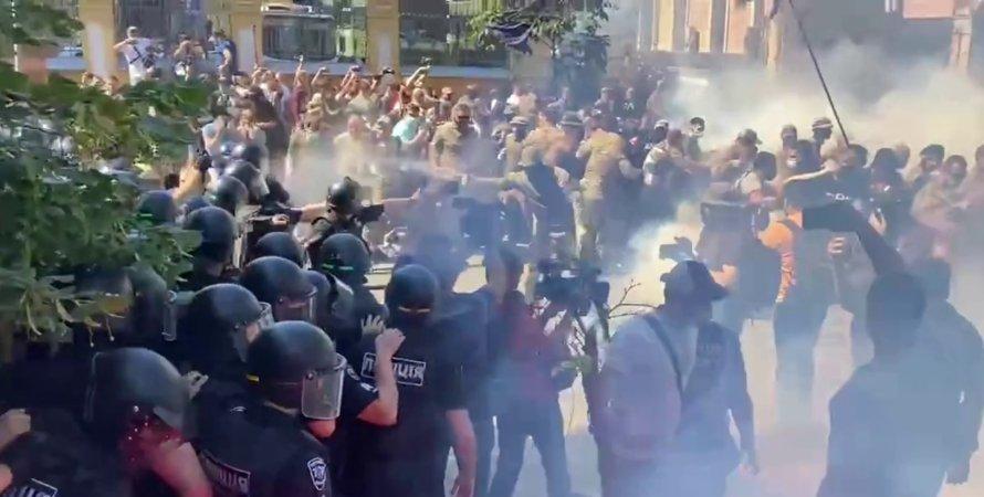 Нацкорпус Київ, протести Нацкорпуса, Нацкорпус під ОП, зіткнення Нацкорпуса і поліції