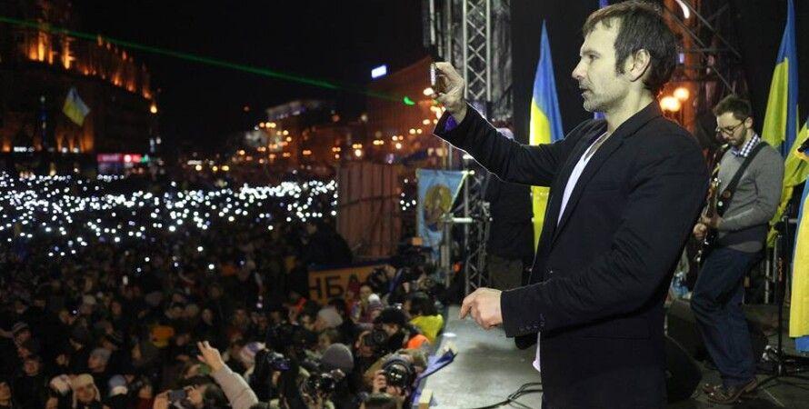 Святослав Вакарчук во время концерта на Майдане