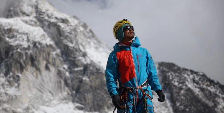 Эверест, Джомолунгма, Чжан Хун, рекордсмен Чжан Хун на Эвересте