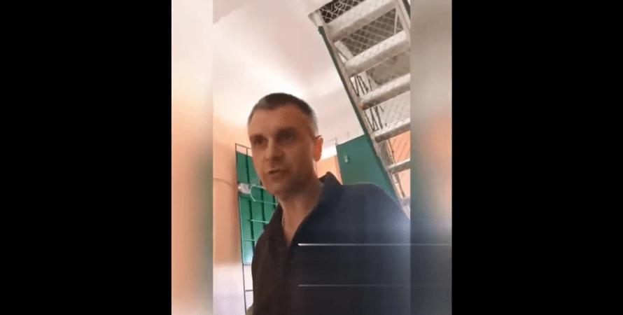 В Харькове приехавшие на вызов пьяные коммунальщики устроили драку