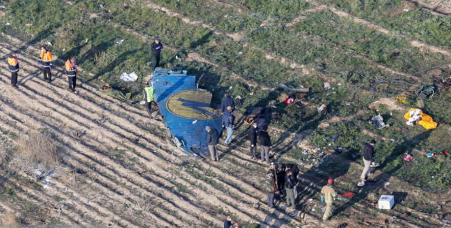 самолет, МАУ, обломки на земле, тегеран