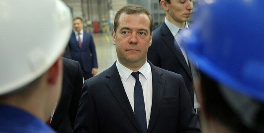 Дмитрий Медведев, Россия, swift, интернет, США
