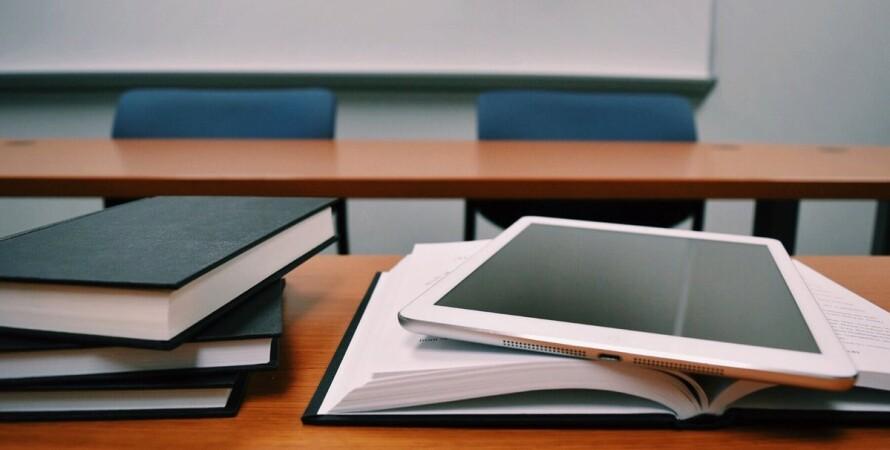 планшет, книги, школа