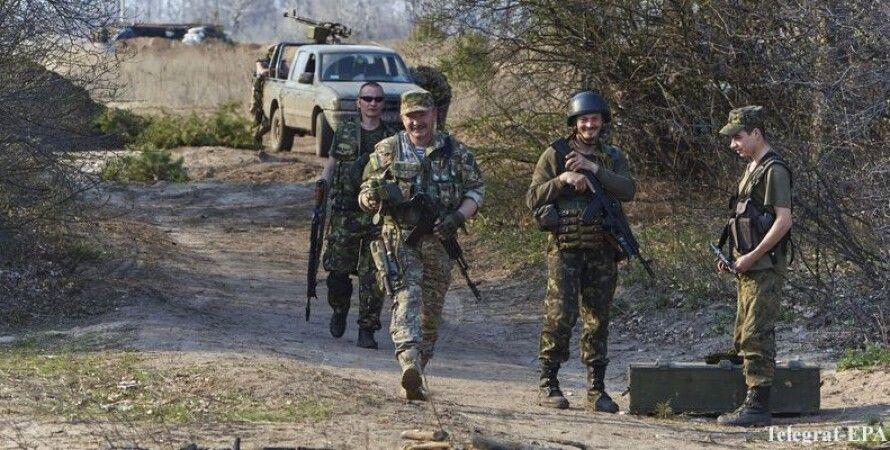 Украинские воины в Донбассе / Фото EPA