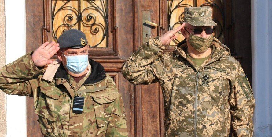 визит главы военкома нато, хомчак встретился с главой военного комитета нато