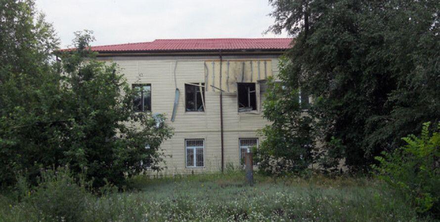 Обстрелянное здание налоговой / Фото пресс-службы МВД