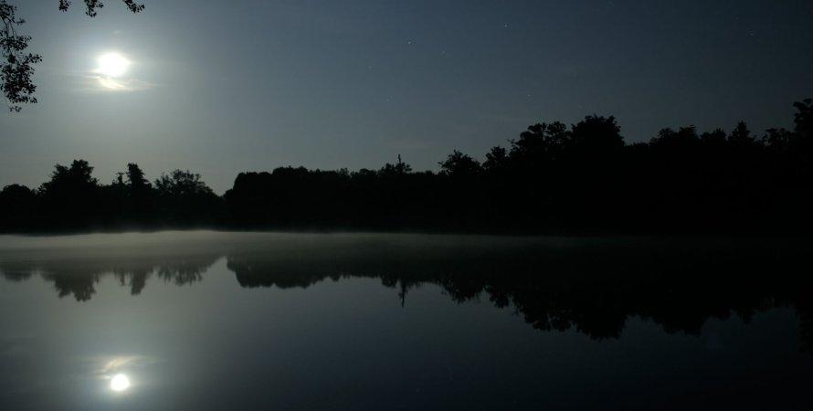 Місяць, річка, вода, фото