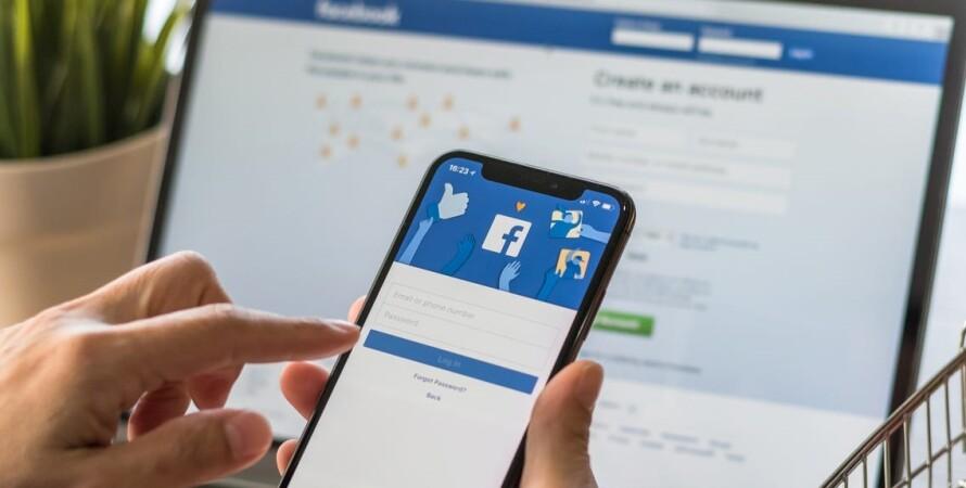Сеть Facebook, смартфон