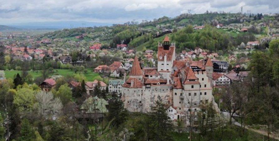 Замок Дракулы, Румыния, Уколы, Туристы, Врачи, Вампиры, Вакцинация, COVID-19