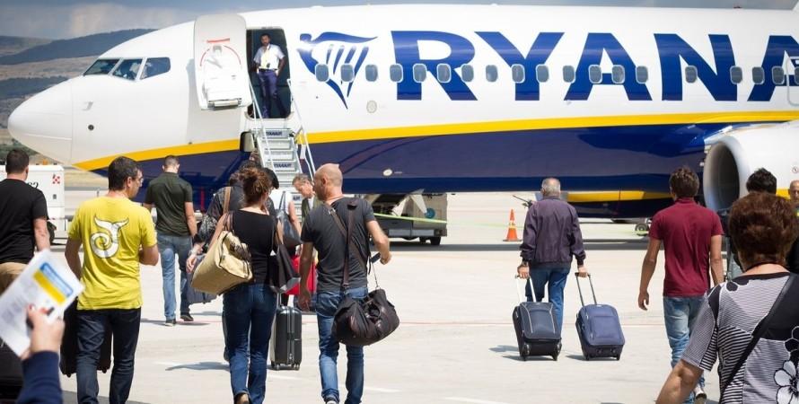 Ryanair, Ползнань, самолет, скандал,