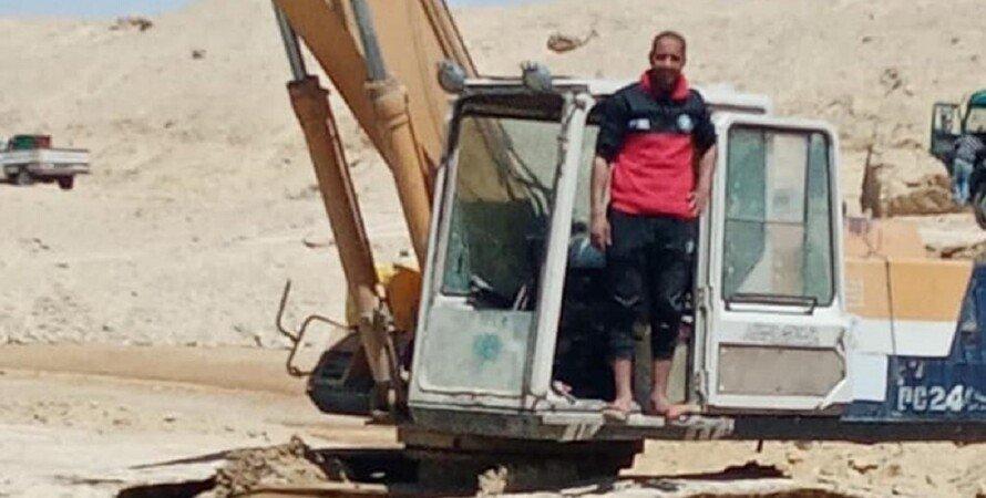 Абдулла Абдул-Гавад, экскаватор, суэцкий канал, фото