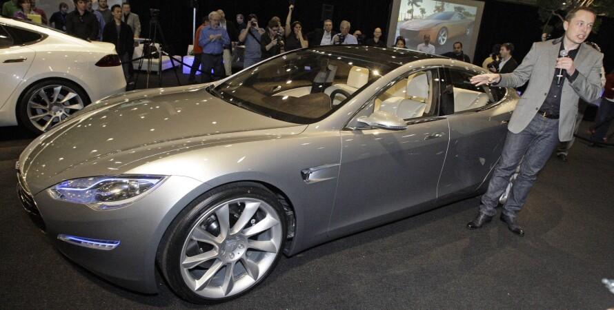 Tesla Model S, презентация Tesla Model S в 2009 году, Илон Маск