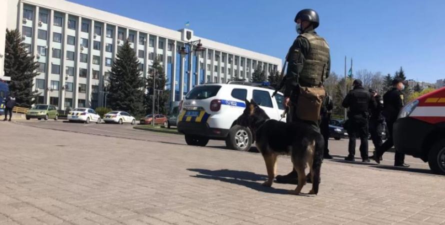 СБУ, Ровно, учения в Ровно, антитеррористические учения в Ровно, захват Ровенской ОГА, освобождение заложников