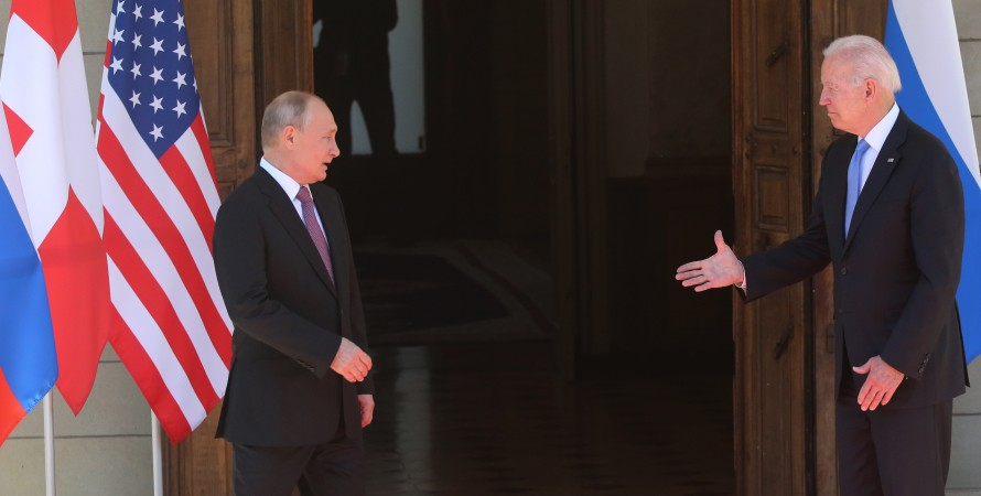 Байден протягивает руку Путину