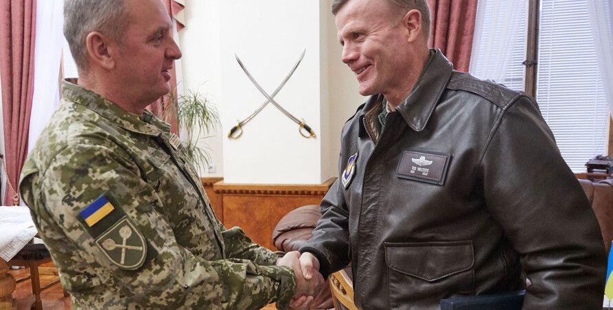 Виктор Муженко и Тод Уолтерс / Фото: mil.gov.ua
