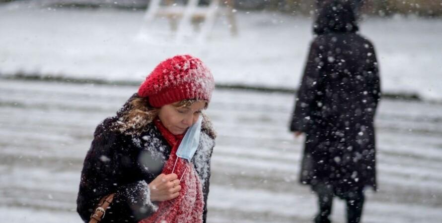 люди в масках, снег, улица