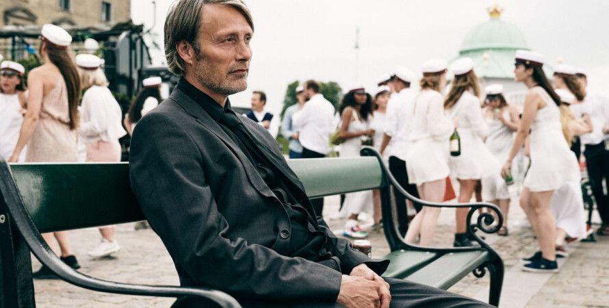 """кадр из фильма """"Еще по одной"""", Another Round, Мадс Миккельсен, фильм года, европейский оскар 2020"""
