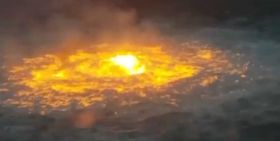 Огненный глаз, пожар на трубопроводе, Мексика, полуостров Юкатан