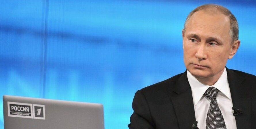 """Владимир Путин во время прямой линии / Фото: РИА """"Новости"""""""