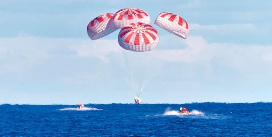 NASA, Crew Dragon, астронавты, Мексиканский залив, приводнение