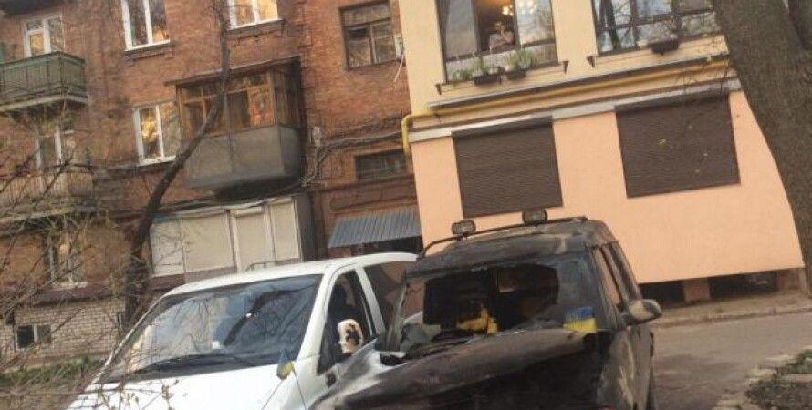 Сгоревший автомобиль волонтеров / Фото пресс-службы МВД
