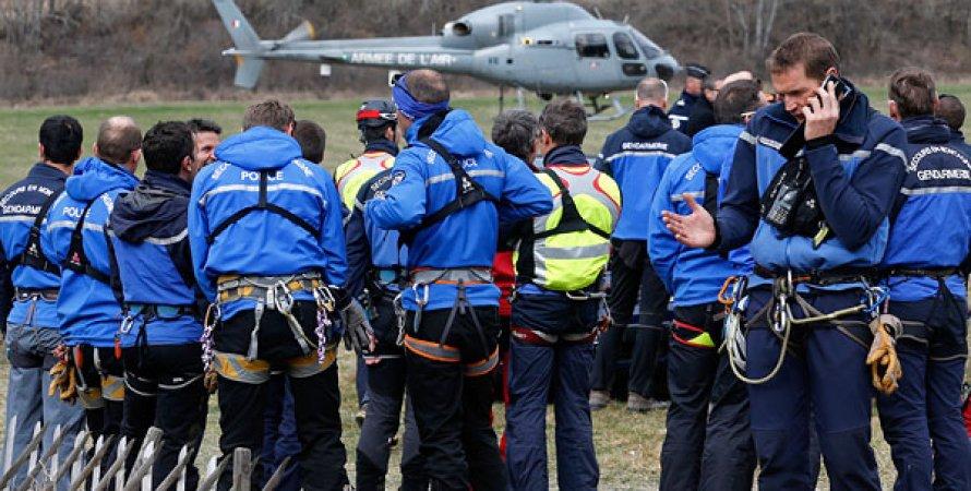 Операция по поиску разбившегося во Франции A320 / Фото: Reuters