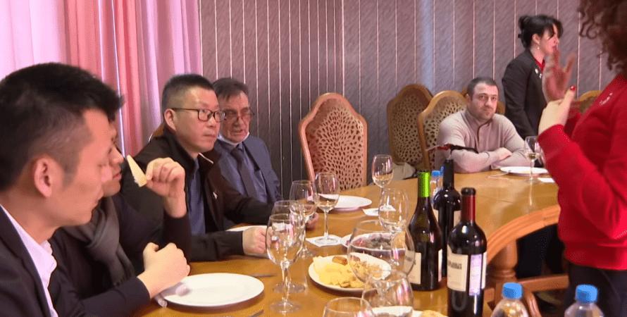 китайская делегация, оккупация крыма