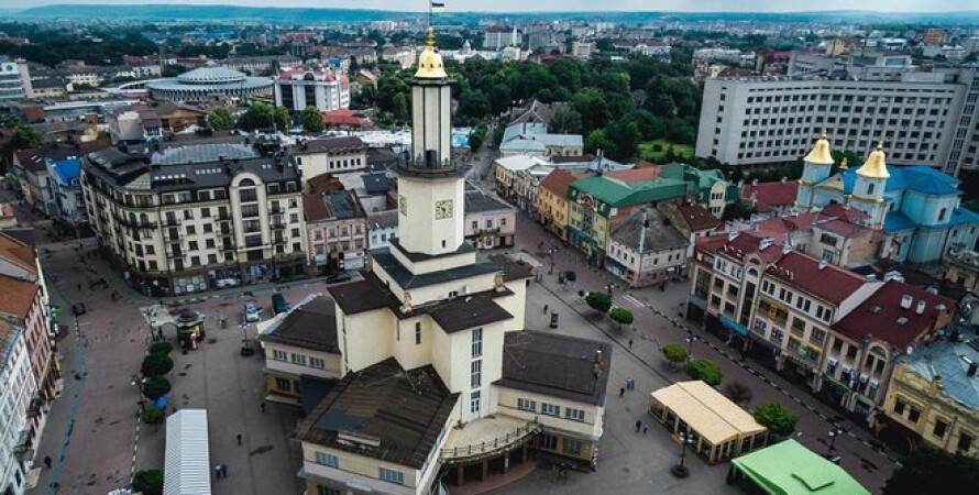 занятия любовью на ратуше, ивано-франковск, мэр ивано-франковска, 100 тысяч гривен, руслан марцинкив