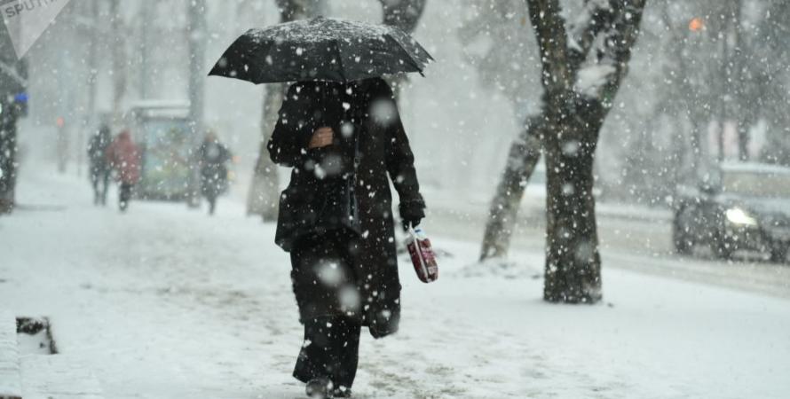 улица, мокрый снег, люди