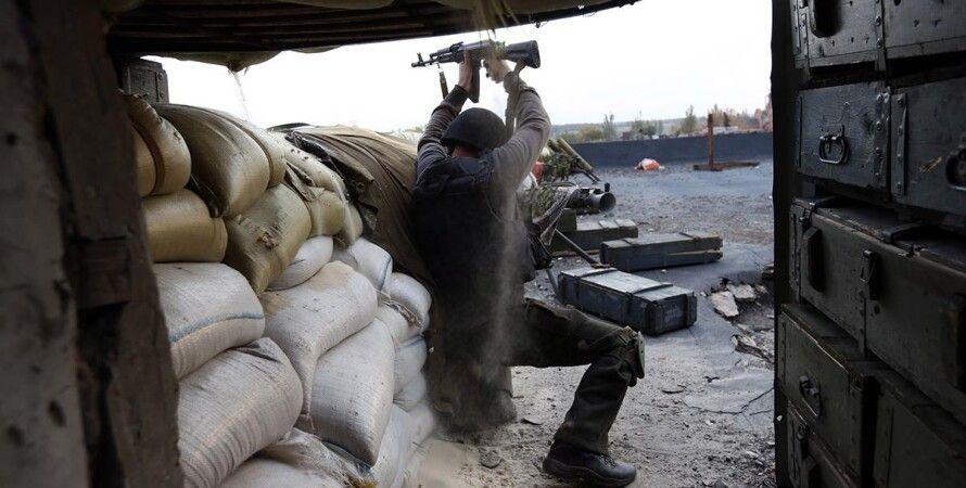 Боец АТО в аэропорту Донецка / Фото: facebook.com/sergei.loiko