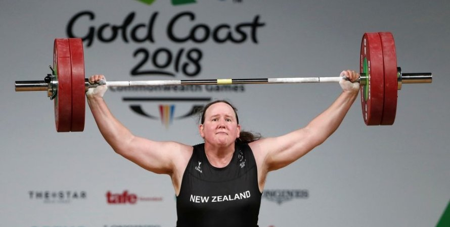Лорелл Хаббард, тяжелая атлетика, трансгендер