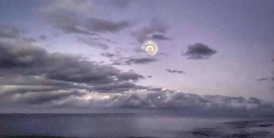 спираль, небо, Тихий океан, фото