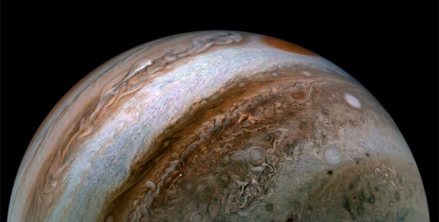 Юпітер, ранкові бурі, полярні сяйва