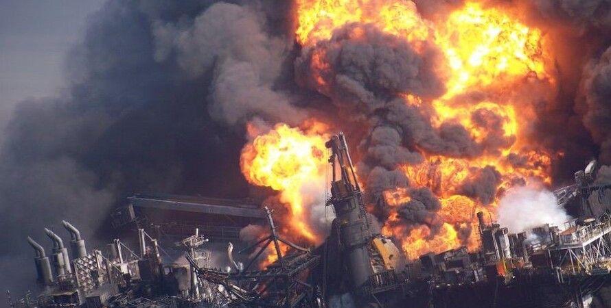 Авария на Deepwater Horizon / Фото: www.zmescience.com