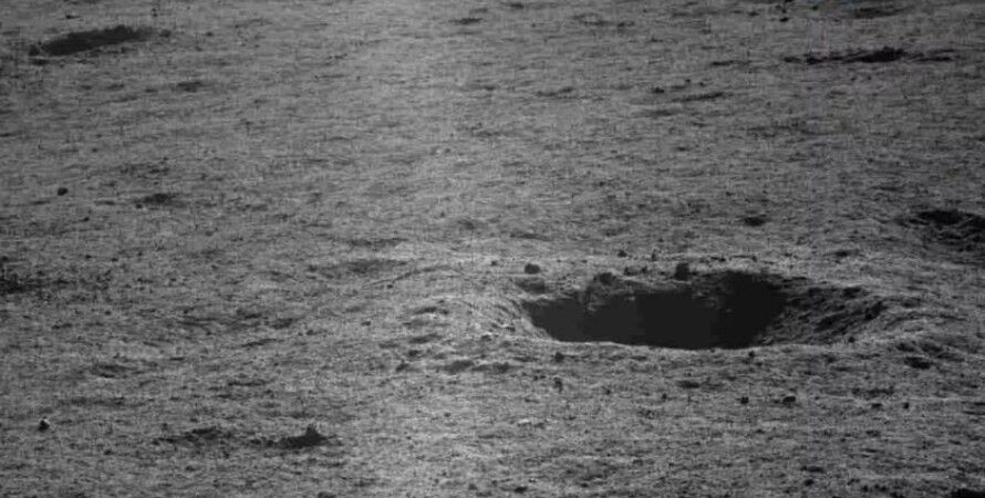 Лунные кратеры. 12 апреля 2019 года, CLEP/CNSA
